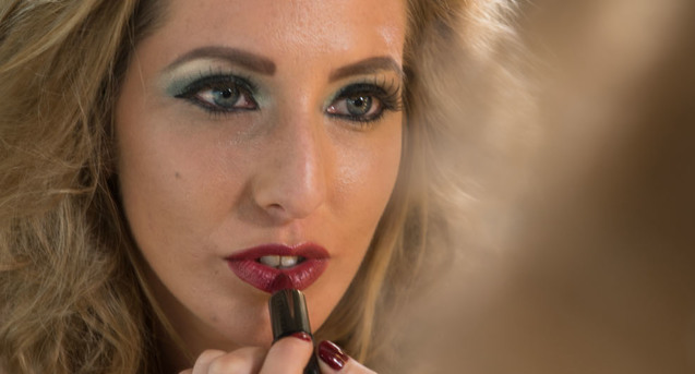 make-up-3_637x343